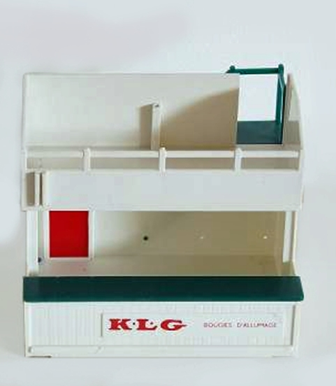 A203 KLG Bougies DAllumage red Owners Stand MIF