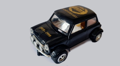 C2249 Mini Black 40th anniversary date on bonnet