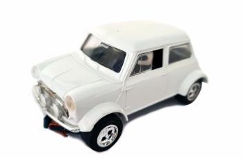Mini Cooper plain bright white